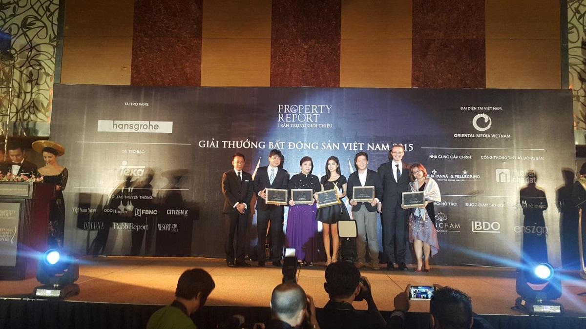 lucasta đoạt giải property award 2016