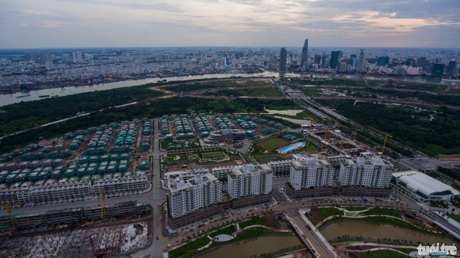 Hình hài đô thị Thủ Thiêm đang rõ dần qua flycam