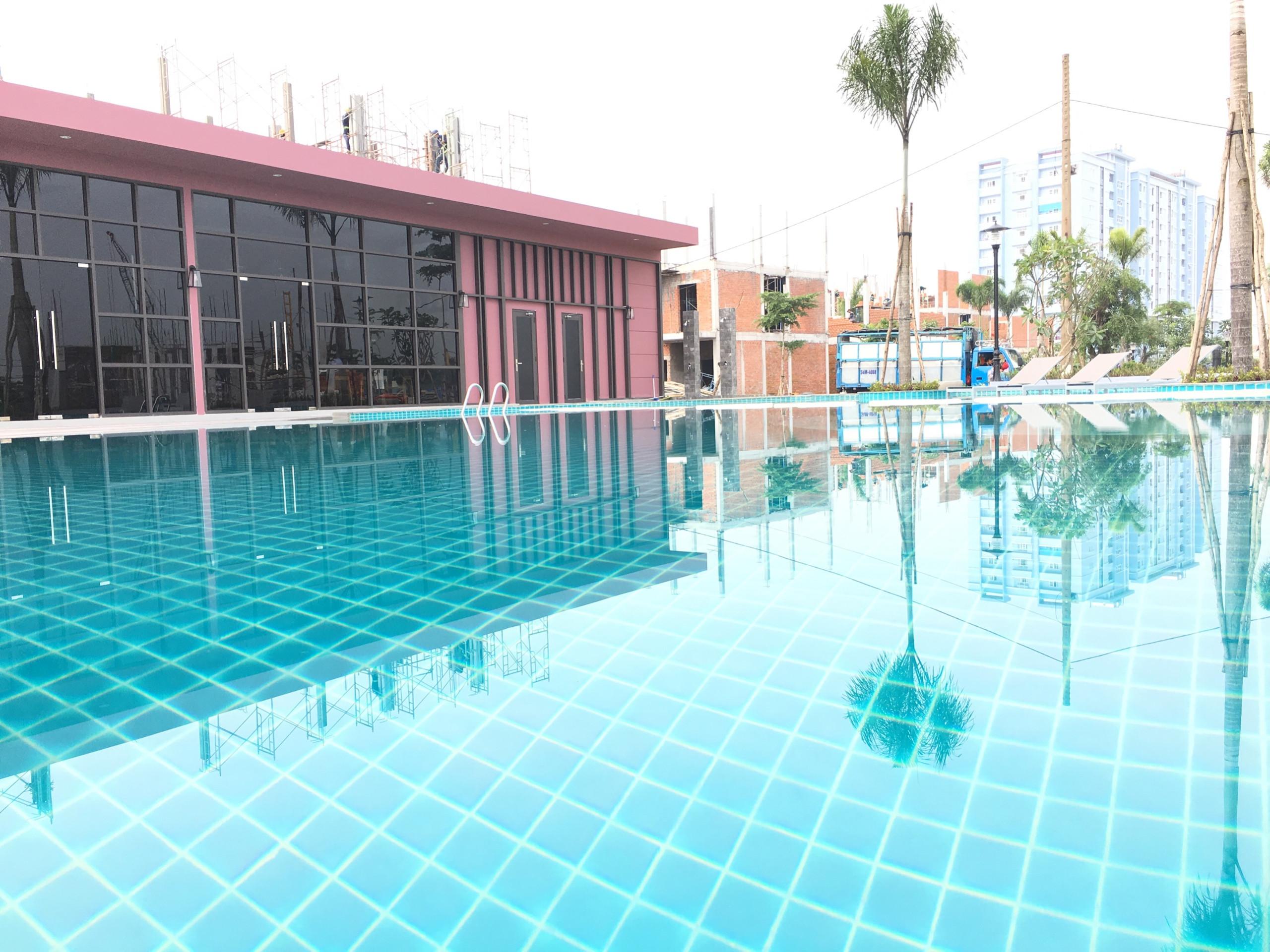 Hồ bơi hiện đại tại valencia riverside quận 9