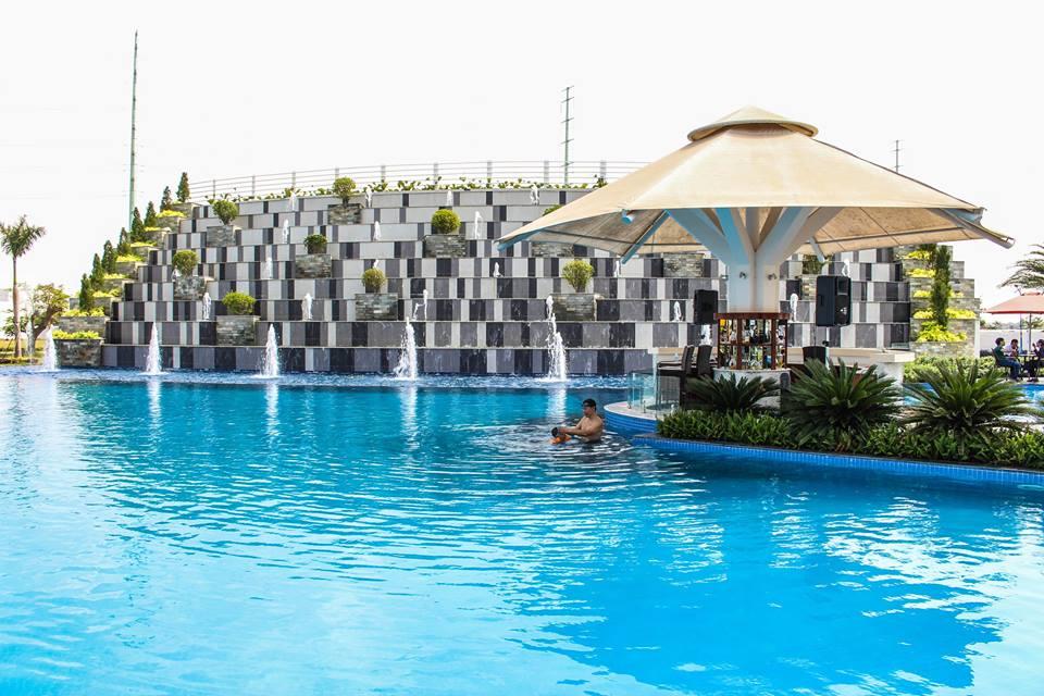 Hồ bơi thác tràn tại Melosa Garden