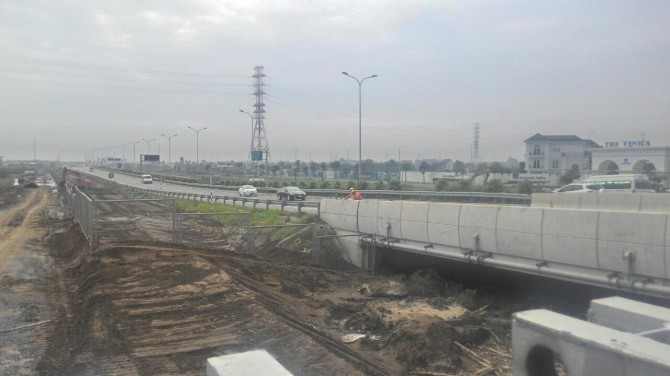 Đường Cao Tốc Long Thành Dầu Giây đoạn Đường Đỗ Xuân Hợp và Dự án Nam Khang - Quận 9
