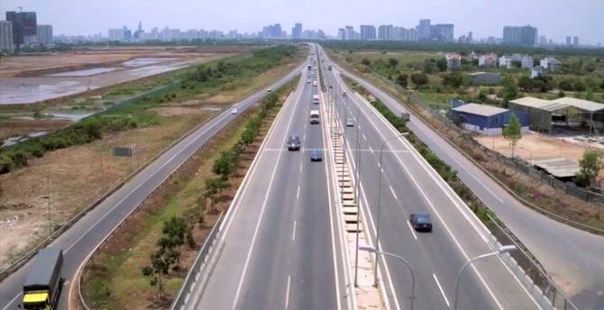 Hình thực tế thi công đường song hành cao tốc Long Thành Dầu Giây đoạn An Phú - Quận 2 ngày 02/09/2016