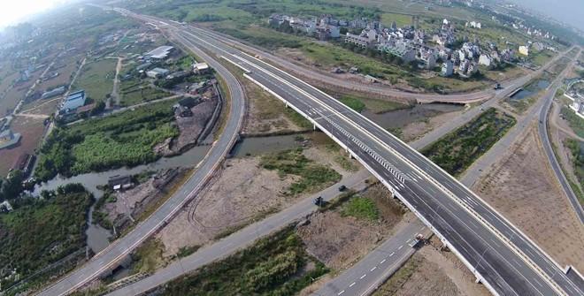 Từ trên cao nhìn xuống đường Song Hành, cao tốc Long Thành - Dầu Giây