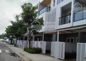 Nhà phố sân vườn Q9 5x15 3ty đã có SH- 0911122249 Ms Linh