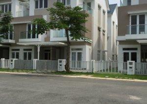 Cần cho thuê căn nhà đầy đủ nội thất quận 9 liên hệ 0939.867.408