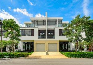 HOT HOT HOT-  PHÁ SẢN  bán gấp căn Biệt thự Lucasta 175m- 7.7 tỷ  0911122249 Ms Linh