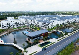 Cần bán căn góc  nhà phố Simcity Q9. DT 219m2,Hướng ĐB.Giá 9 tỷ : LH 090 68 49 239